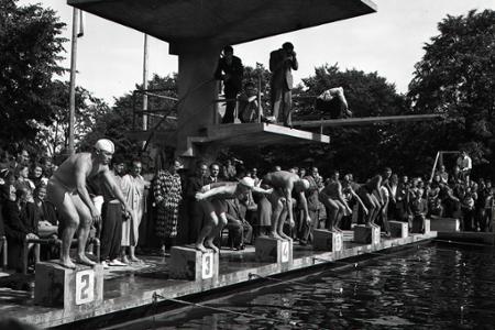 Rok 1946: Plavecké preteky Bratislava - Paríž