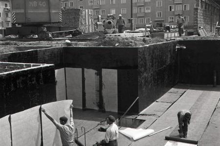 Rok 1961: Výstavba bytov v Trenčíne