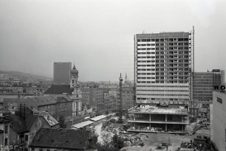 Rok 1972: V centre Bratislavy vyrastá hotel Kyjev