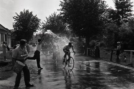 Rok 1959: Horúčavy doliehajú aj na cyklistických pretekárov