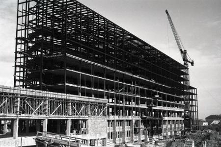 Rok 1948: Pokračuje stavba bratislavskej pošty
