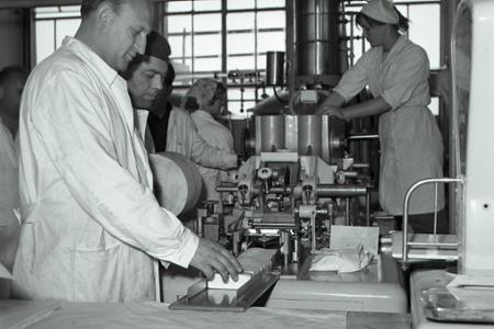 Rok 1964: Prvé maslo  z Čalova