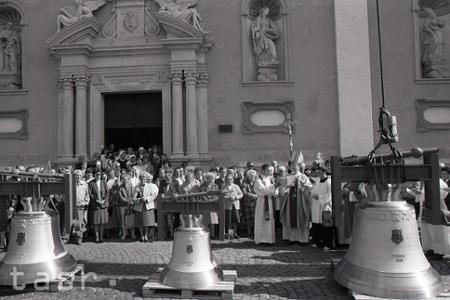 Rok 1995: Nové zvony pre katedrálny chrám v Trnave