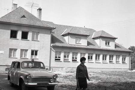 Rok 1965:V Mojmírovciach si občania postavili zdravotné stredisko