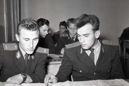 Rok 1957: Prví absolventi pre Čs. štátne železnice