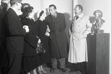 Rok 1956: Súborná výstava sochára Vojtecha Löfflera