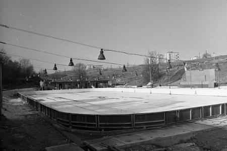 Rok 1972: V Žiari nad Hronom otvorili zimný štadión