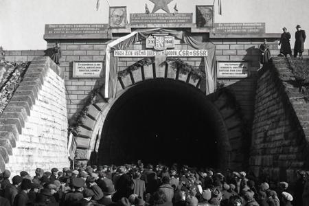 Rok 1946: Na východe republiky znovuotvorili Lupkovský tunel