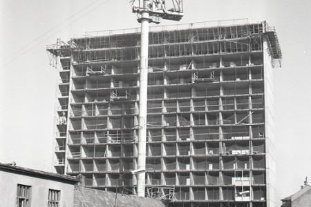 Rok 1967: V Bratislave stavajú najvyššiu slovenskú budovu