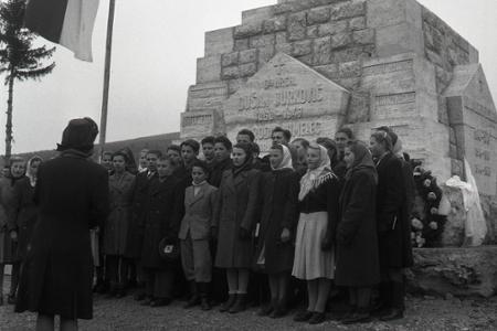 Rok 1948: Odhalenie Pamätníka hrdinov na Brezovej