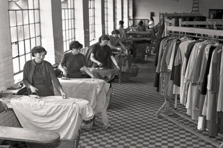 Rok 1955: Práčovňa komunálnych služieb v Žiline slúži pracujúcim