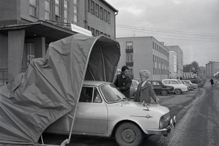 Rok 1973: Motoristický hit - skladacie autogaráže