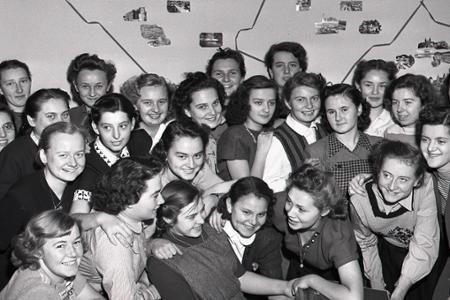 Rok 1949: Mládež vedie školu