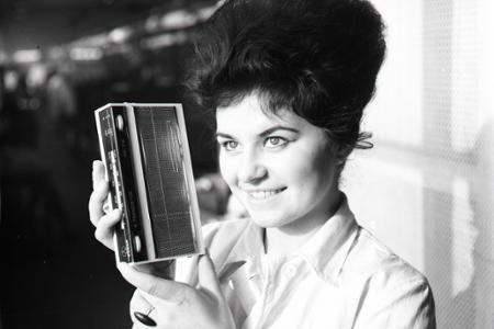 Rok 1965: Na vianočnom trhu nový tranzistor