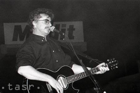 Spevák Pavol Hammel rozširuje rady sedemdesiatnikov