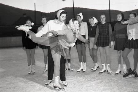 Rok 1957: V Banskej Bystrici ožíva krasokorčuliarska tradícia