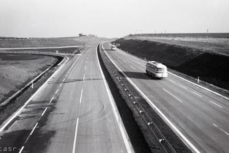 Rok 1975: Bratislavu so Sencom spája diaľnica