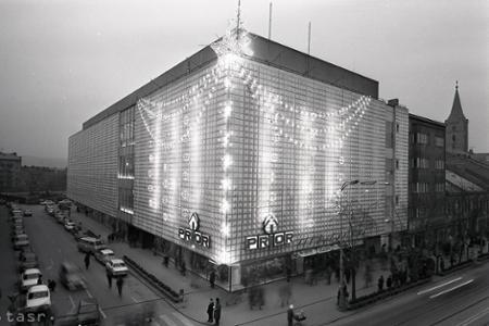 Rok 1973: Nový Prior v Košiciach je centrom vianočných nákupov
