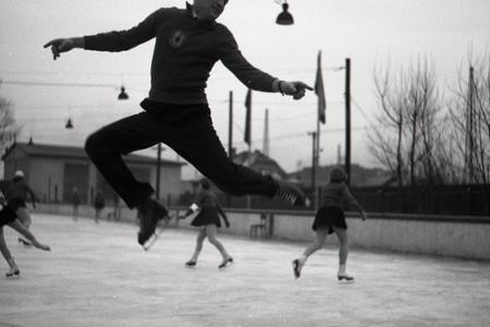 Rok 1953: Preteky slovenských krajov v krasokorčuľovaní