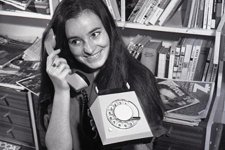 Rok 1970: Na trhu sa objavuje dizajnový telefón