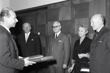 Rok 1966: Andrej Očenáš sa stáva zaslúžilým umelcom