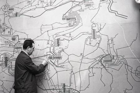 Rok 1971: Plytvanie elektrickou energiou