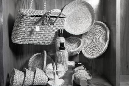 Rok 1957: Výrobky českých umelcov v slovenských domácnostiach