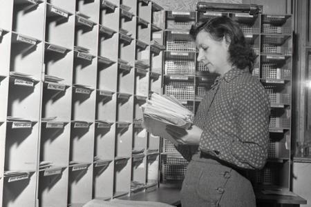 Rok 1956: Cez košickú stanicu prechádzajú zásielky do celého sveta