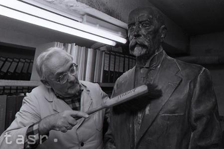Rok 1990: V Nitre objavili vzácnu sochu Tomáša Garrigua Masaryka