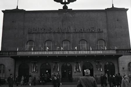 Rok 1969: Elektrifikácia železničnej trate Bratislava - Štúrovo