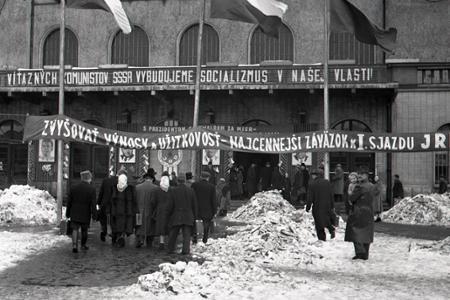 Rok 1953: Slováci cestujú do Prahy na 1. zjazd JRD
