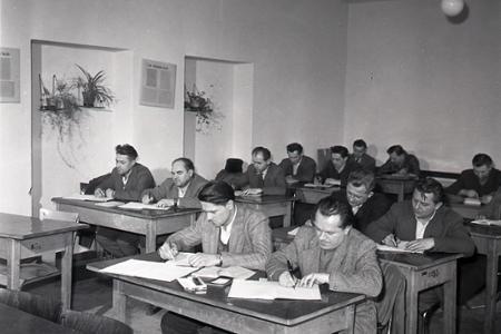 Rok 1962: Armatúrka Myjava si sama vzdeláva zamestnancov