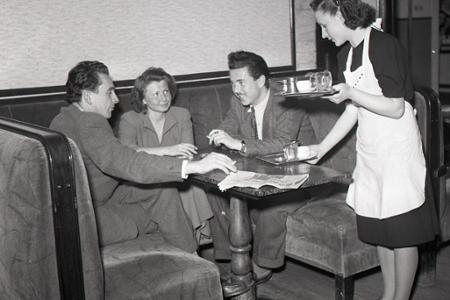 Rok 1950: Do práce nastupuje čoraz viac žien