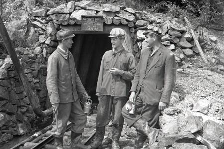 Rok 1956: Pri Helcmanovciach otvárajú nové bane