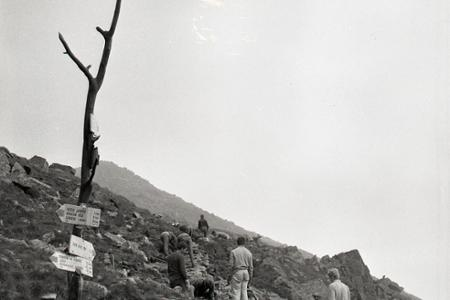 Rok 1967: Vysokoškoláci budujú turistický chodník na Chopku