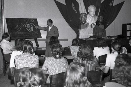 Rok 1950: Politické školenia mäsiarok