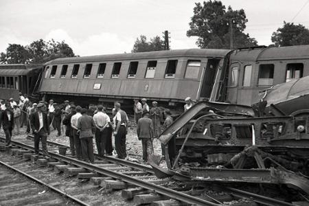 Rok 1947: Vykoľajenie rýchlika vSekuliach si vyžiadalo 19 obetí