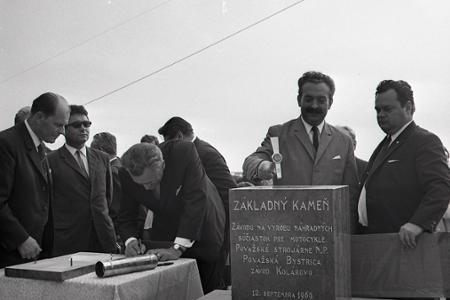 Rok 1969: Základy priemyslu v Kolárove