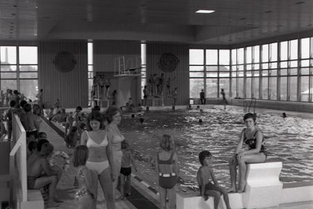 Rok 1974: V Martine otvorili nový krytý bazén