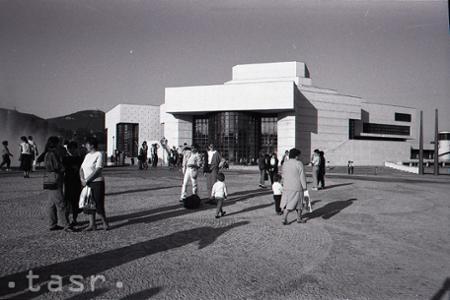 Rok 1992: V Nitre otvorili novú budovu Divadla Andreja Bagara