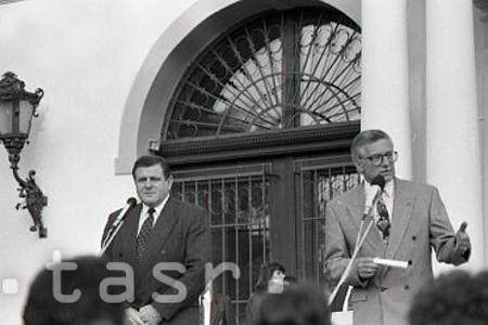 Rok 1992: V Kolodějoch sa rokuje o budúcich vzťahoch medzi ČR a SR