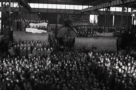 Rok 1952:Záväzky a údernícke plány na počesť VOSR