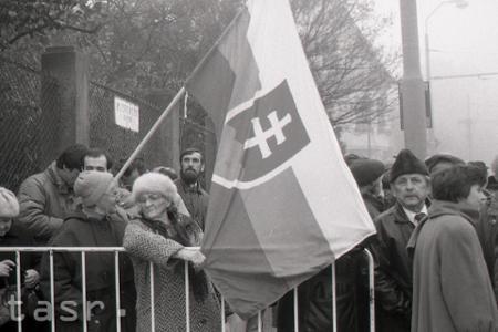 Rok 1995: Mítingy občanov na podporu zákona o štátnom jazyku SR