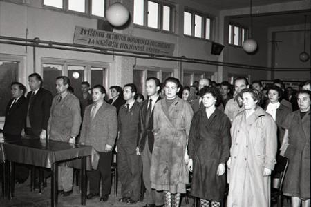 Rok 1957:Štátny smútok strieda radosť zo zvolenia nového prezidenta