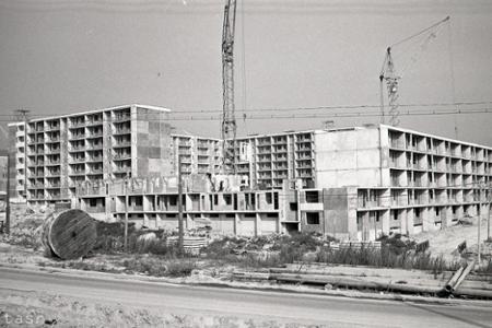 Rok 1969: VKarlovej Vsi dokončujú byty na novom sídlisku