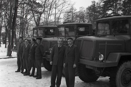 Rok 1957: Za víťazstvo v súťaži nákladné auto Tatra 128