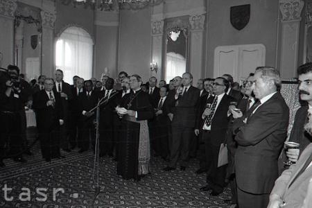 Rok 1993: Zahraničie uznáva vznik samostatnej Slovenskej republiky