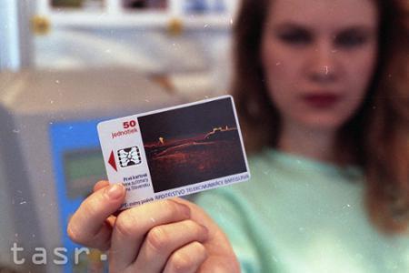 Rok 1993: Na trhu sa objavili prvé telefónne karty