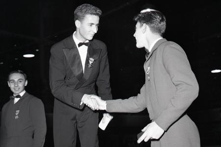Rok 1958: Krasokorčuliar Karol Divín získal prvé európske zlato