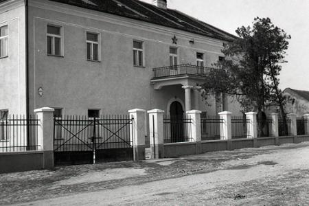 Rok 1954: V Hodoch pri Galante rozvíja svoju činnosť nový maďarský súbor